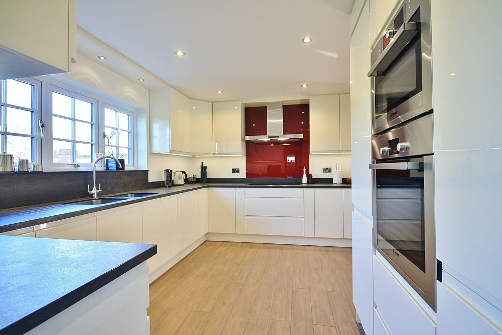 Kitchen Design Essex Kitchens Chelmsford Design And Fitting Kitchen