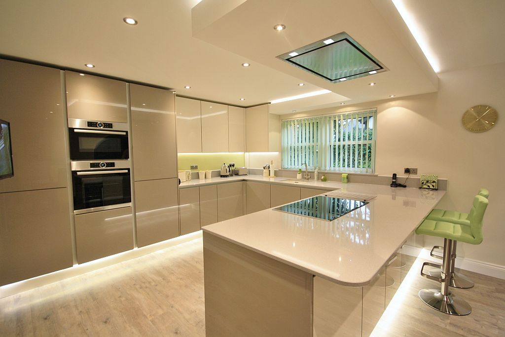 Kitchen designers essex bespoke kitchens essex we fit for Bathroom designs essex